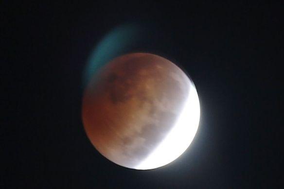 LunarEclipse1-20141008