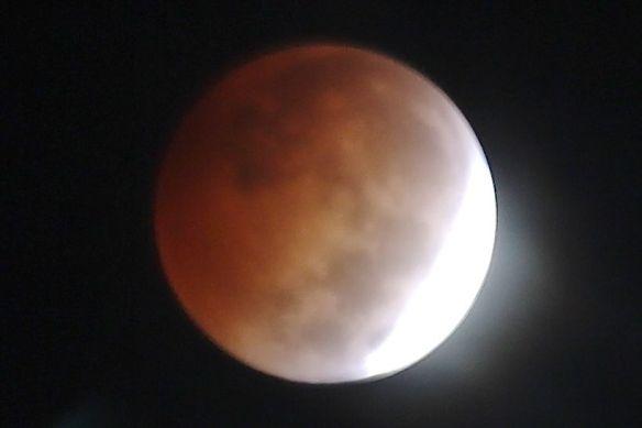 LunarEclipse2-20141008